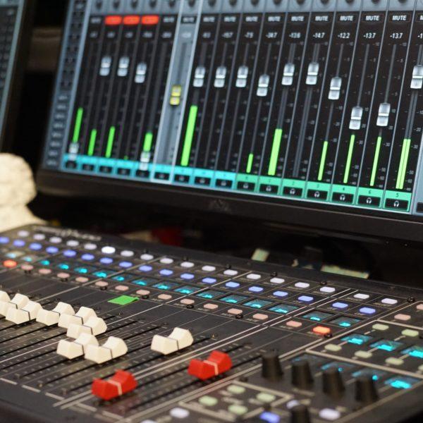 DMC 2020 Im Produktionsstudio hinter den Kulissen
